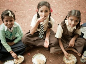Akshaya Patra commemorates the serving of its 2 Billionth Midday Meal with Jamie Oliver's Food Revolution