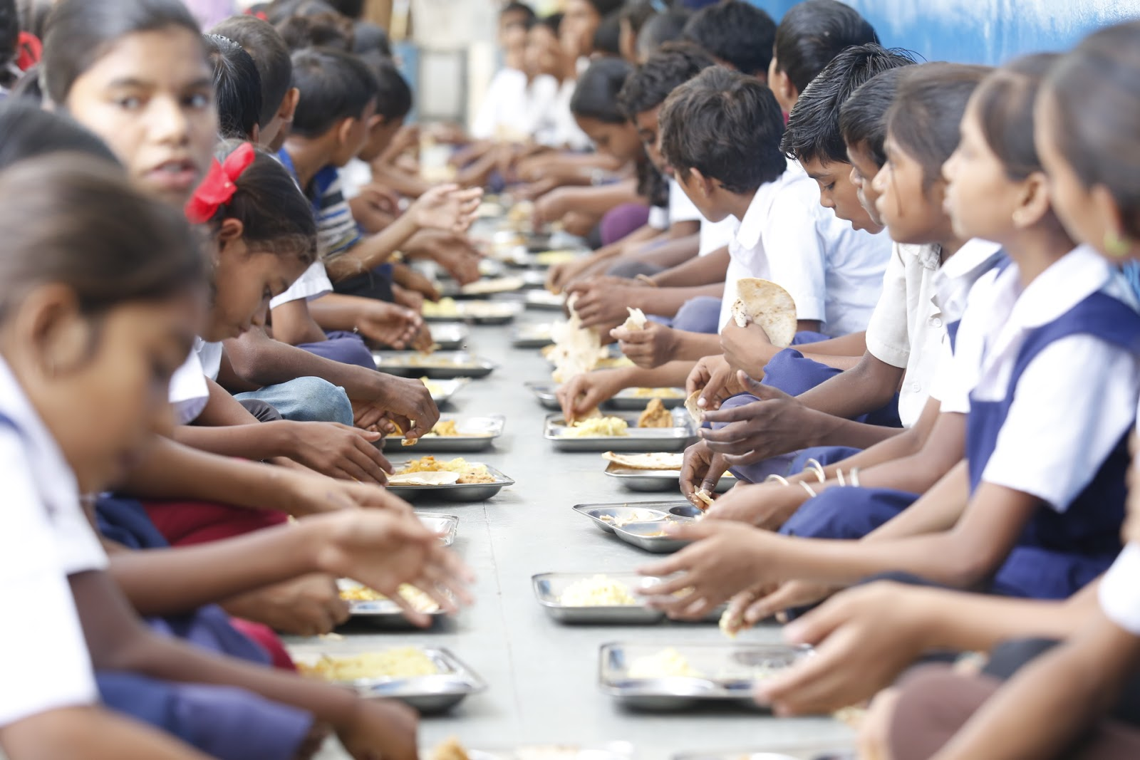 The mid-day meal program by Akshaya Patra